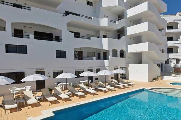 Heerlijk ruim appartement met zwembad in het oude centrum van Albufeira