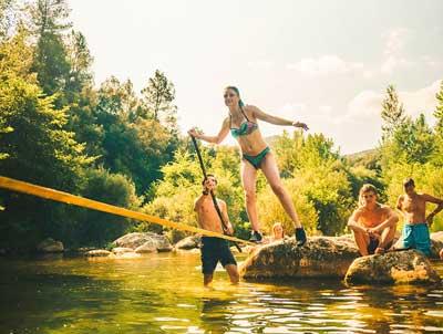 Actief zomerkamp voor jongeren aan de Costa Brava