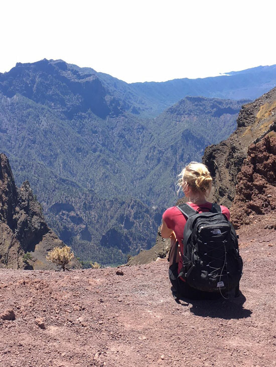 Uitzicht over de bergen van La Palma. Actieve jongerenvakantie!